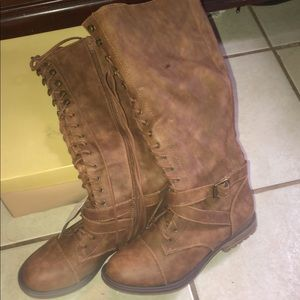 Knee high lace/ zip up boots brand new
